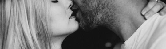 Kiedy pocałować dziewczynę po raz pierwszy?